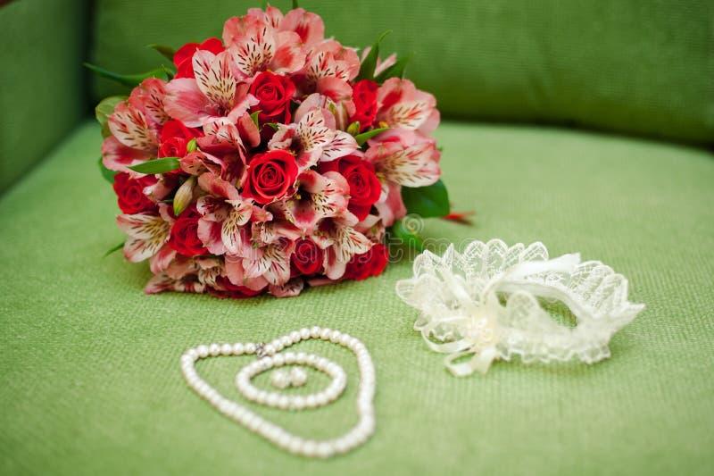 De bruidsmeisjekleding stock afbeeldingen