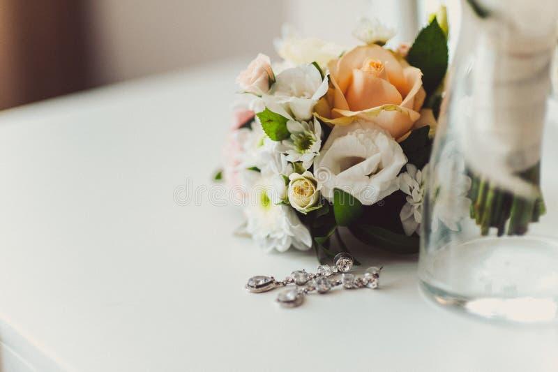 De bruidsmeisjekleding royalty-vrije stock afbeeldingen