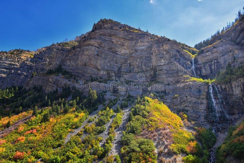 De bruidssluierdalingen is 607 voet-lange 185 van de dubbele cataractmeters waterval in het zuideneind van Provo-Canion, dicht bi royalty-vrije stock foto's