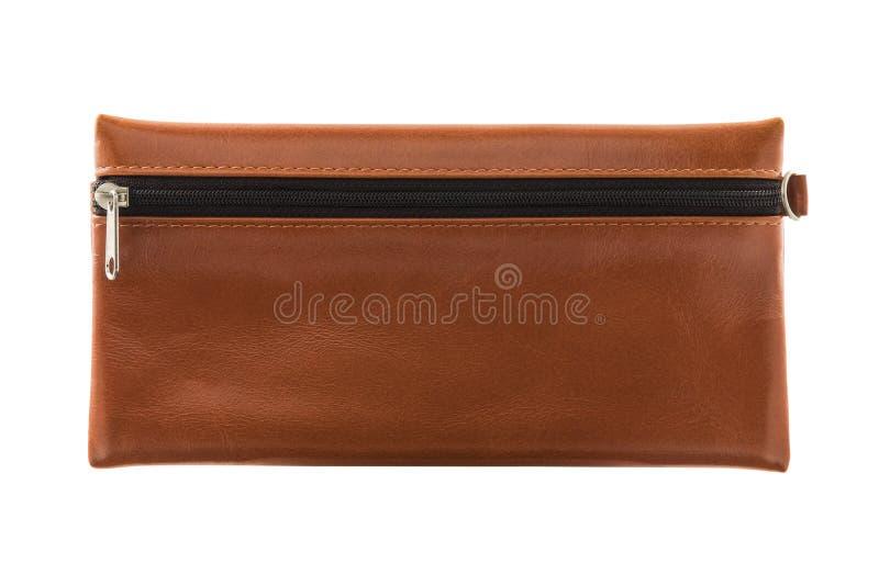 De bruine die zak van de leerkantoorbehoeften met ritssluiting op witte achtergrond wordt geïsoleerd royalty-vrije stock foto