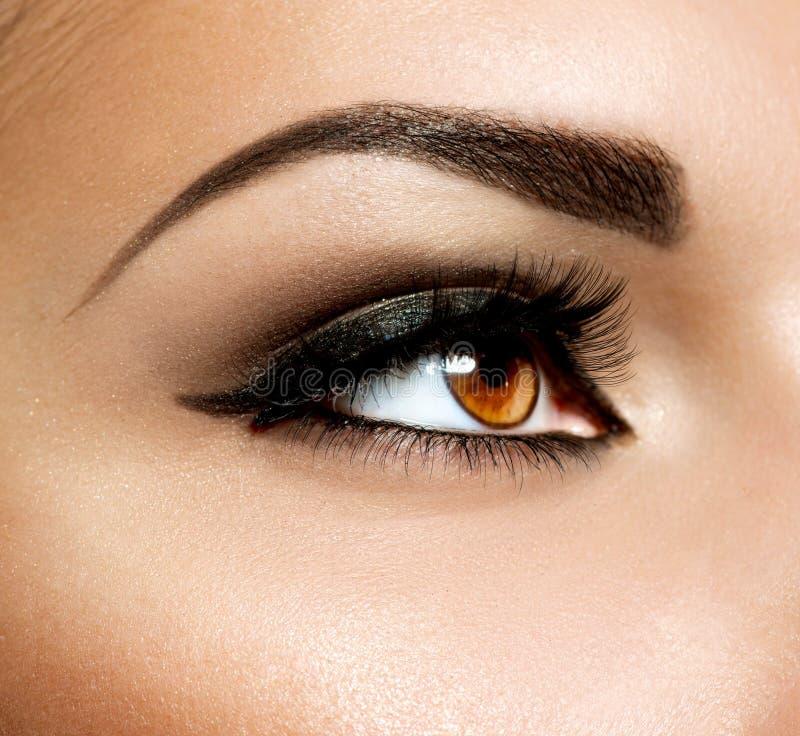 De bruine Make-up van het Oog stock afbeeldingen