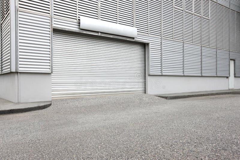 De buitenkant van de pakhuis industriële eenheid stock fotografie