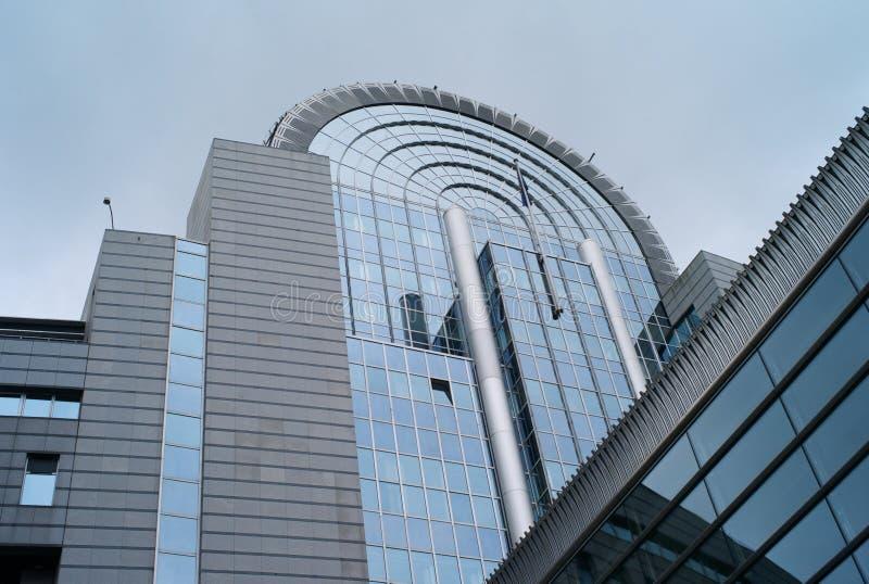 De Buitenkant van het Europees Parlement stock foto's