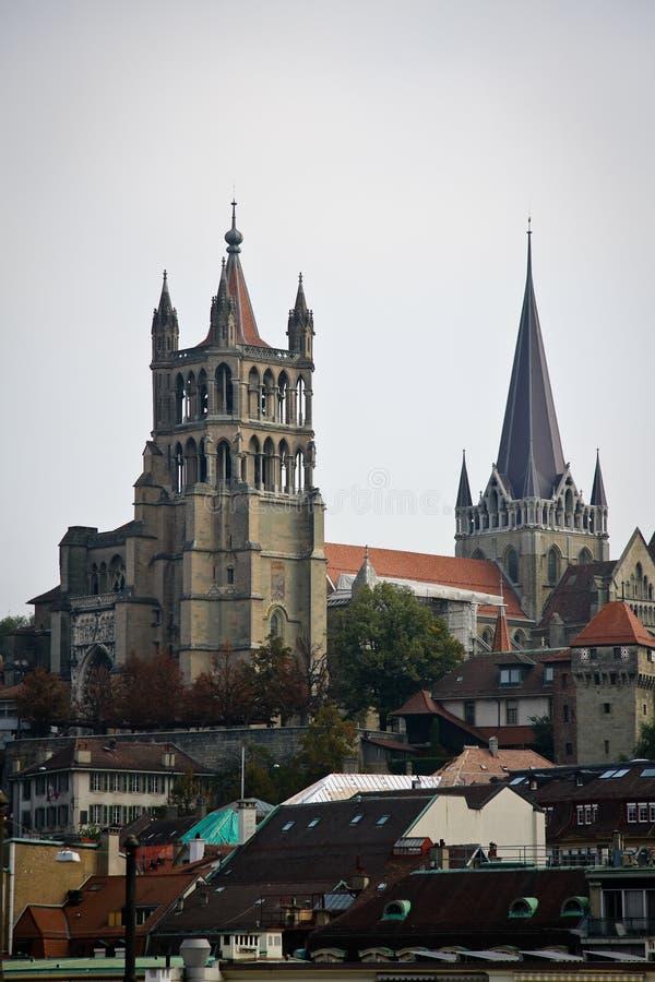 De buitenkant van Notre-Dame van de kathedraal, Lausanne stock foto's