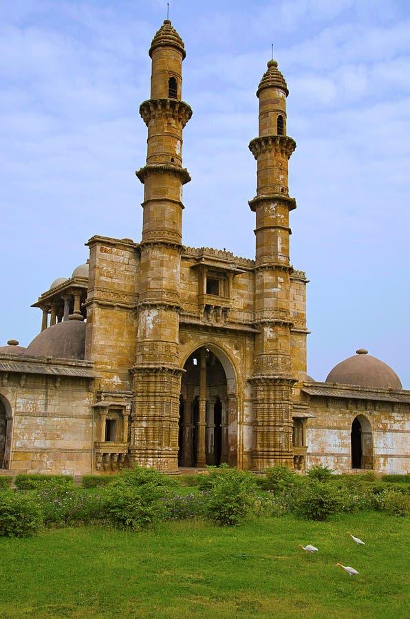 De buitenmening van Jami Masjid Mosque, Unesco beschermde het Archeologische Park van Champaner - van Pavagadh, Gujarat, India Da stock afbeeldingen