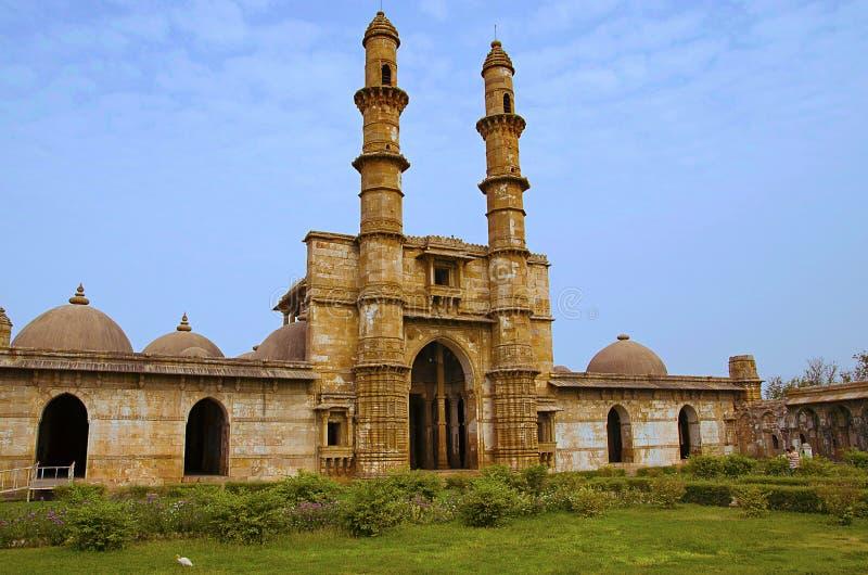 De buitenmening van Jami Masjid Mosque, Unesco beschermde het Archeologische Park van Champaner - van Pavagadh, Gujarat, India Da royalty-vrije stock afbeeldingen