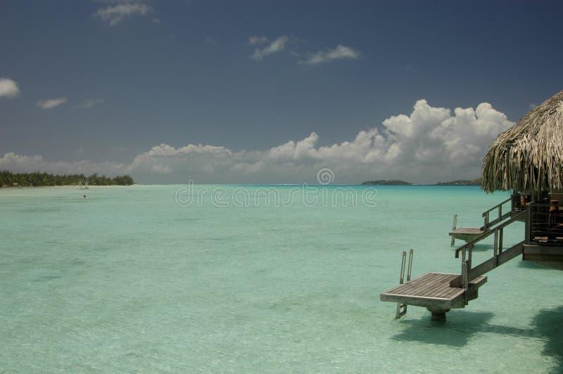 De bungalow van Overwater in Bora Bora royalty-vrije stock foto