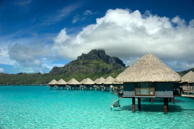 De bungalow van Overwater in Tahiti royalty-vrije stock afbeelding