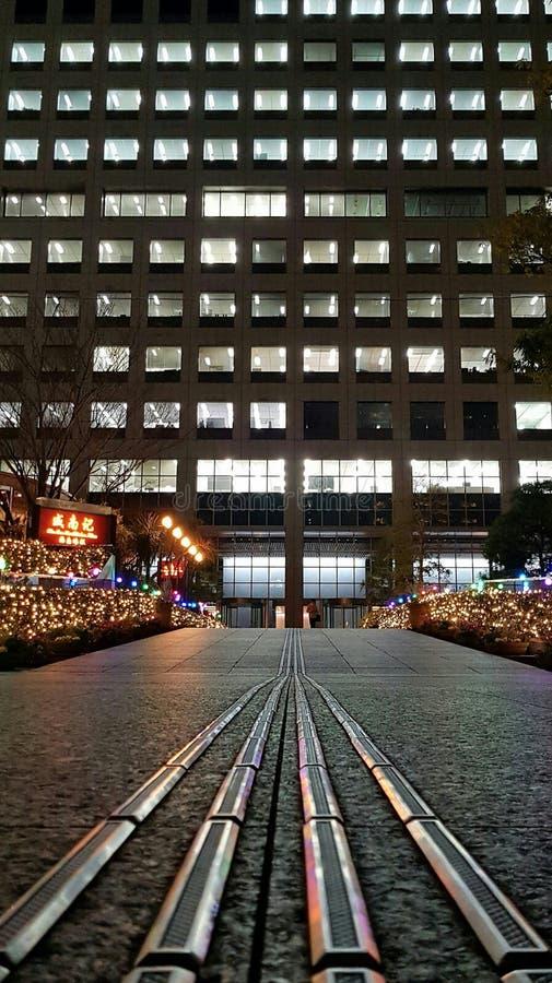 De bureaubouw in Minato Tokyo stock foto