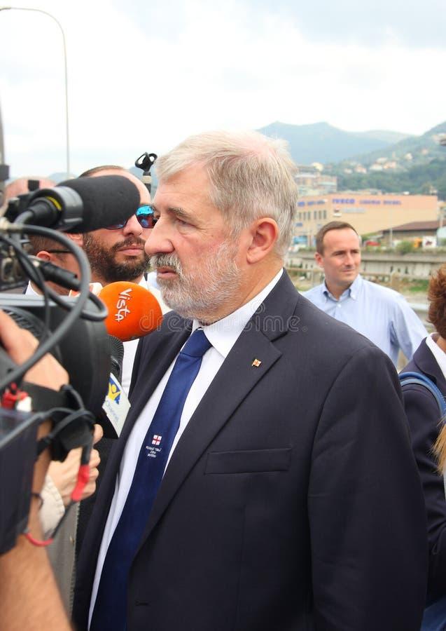 De burgemeester van Genua, Marco Bucci, bij de herdenking van de slachtoffers van de tragedie van de Morandi-brug royalty-vrije stock foto's
