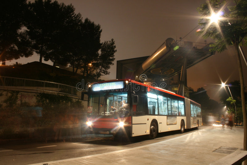 De bus van de nacht stock foto's
