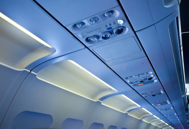 Download In De Cabine Van Passagiersvliegtuigen Stock Foto - Afbeelding bestaande uit hemel, ruimte: 39100514