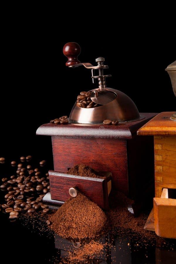 De café toujours la vie foncée élégante. photographie stock libre de droits