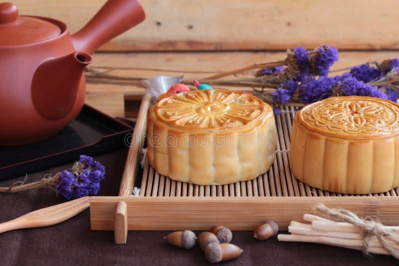 De cake en de thee van de festivalmaan - heerlijke het dessert van China stock afbeelding