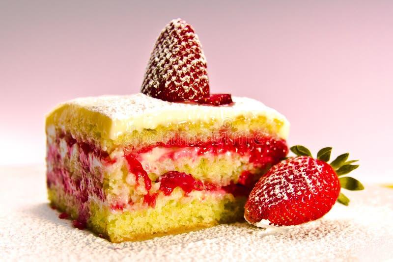 De Cake van de aardbei stock foto