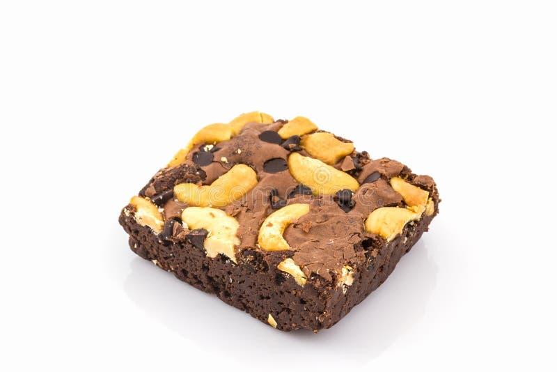 De cake van de brownie op witte achtergrond stock afbeeldingen