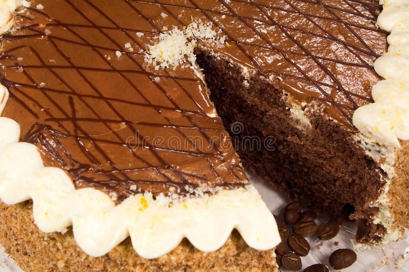 De cake van de chocolade met koffiebonen royalty-vrije stock fotografie