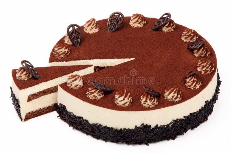 De cake van de roomkoffie met suikerglazuur op witte achtergrond stock fotografie