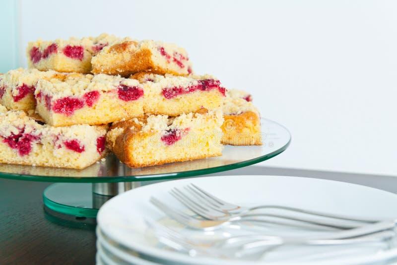 De Cake van de Streusel van de framboos stock afbeelding