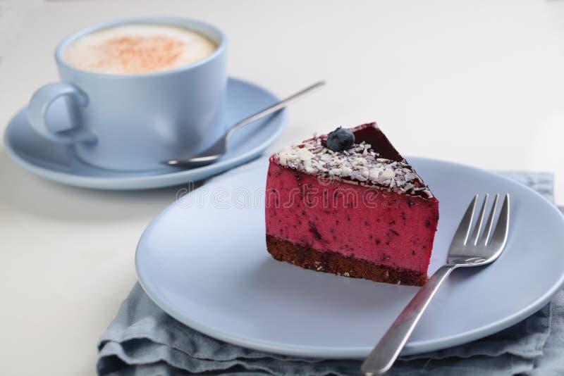 De cake van de fruitsoufflé met koffie royalty-vrije stock foto