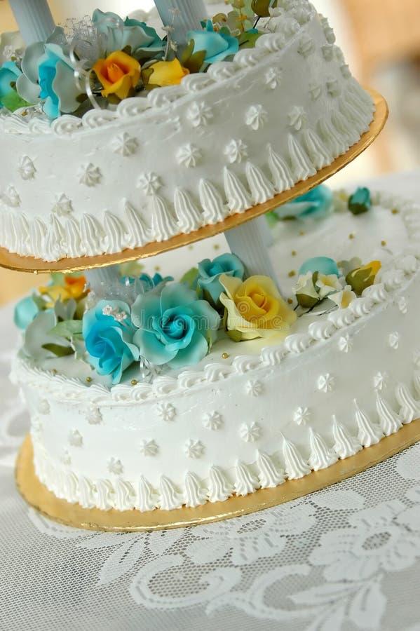 De cake van het huwelijk