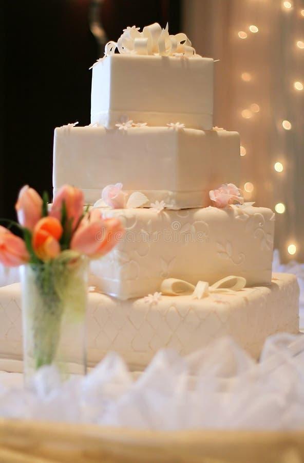 De Cake van het huwelijk - Gestalte gegeven Vierkant royalty-vrije stock fotografie