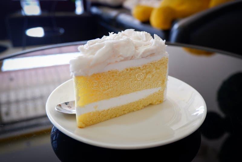 De cake van de kokosnoot royalty-vrije stock foto