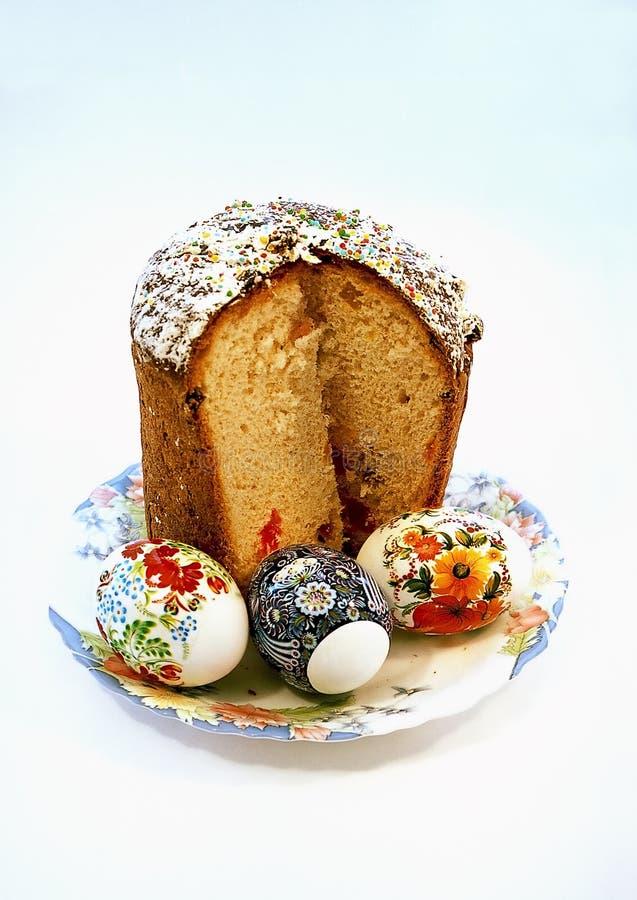 De cake van Pasen met drie eieren stock foto's
