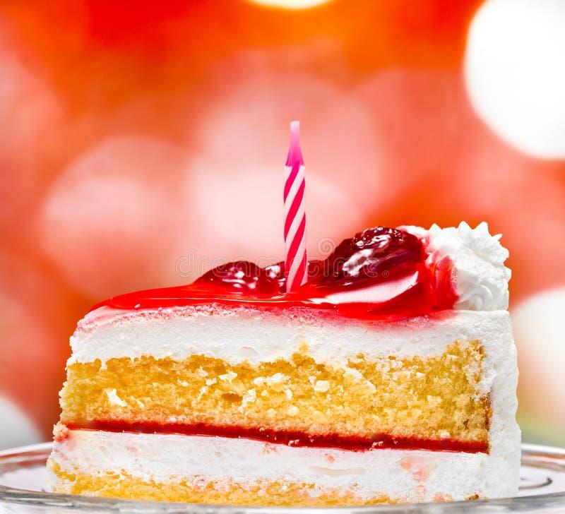 De Cake van de verjaardagsroom betekent Verrukkelijk Berry And Fruit stock afbeeldingen
