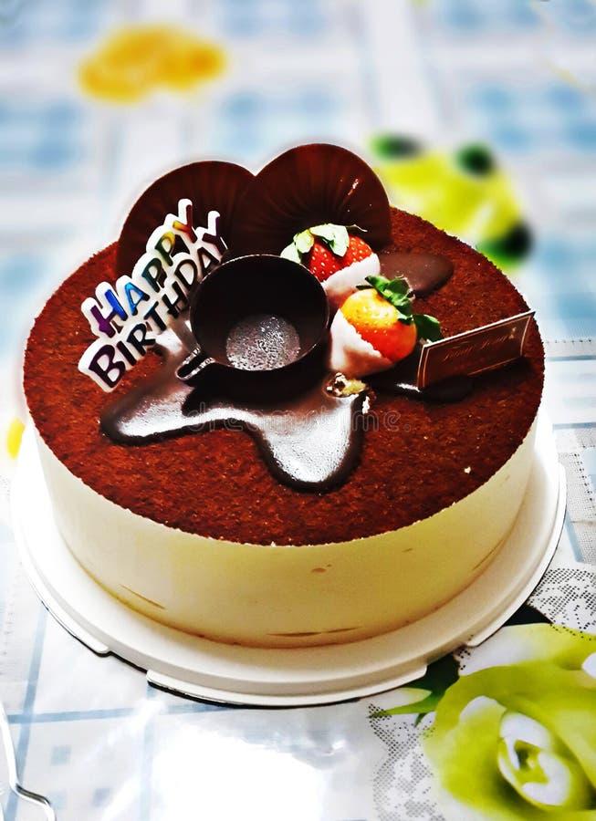 De cake van verjaardagstiramisu royalty-vrije stock afbeelding