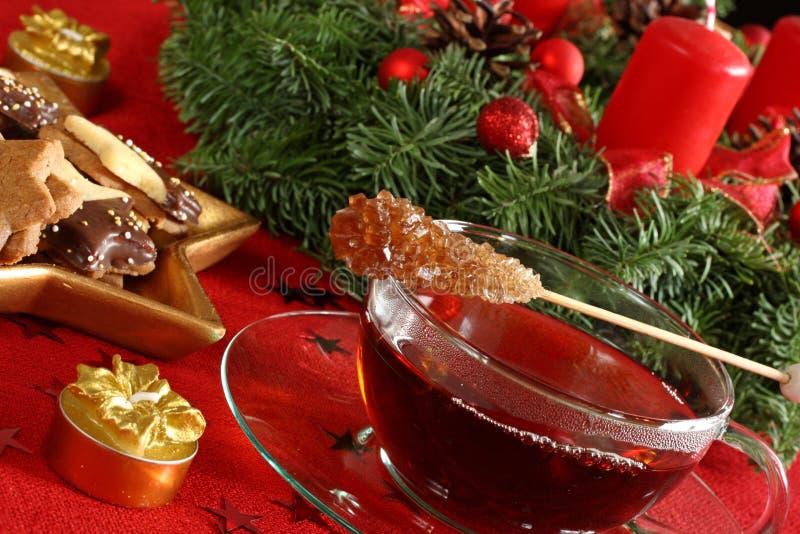 De cakes en de thee van Kerstmis royalty-vrije stock fotografie