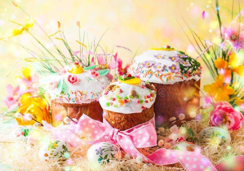 De Cakes van de lentepasen royalty-vrije stock afbeeldingen