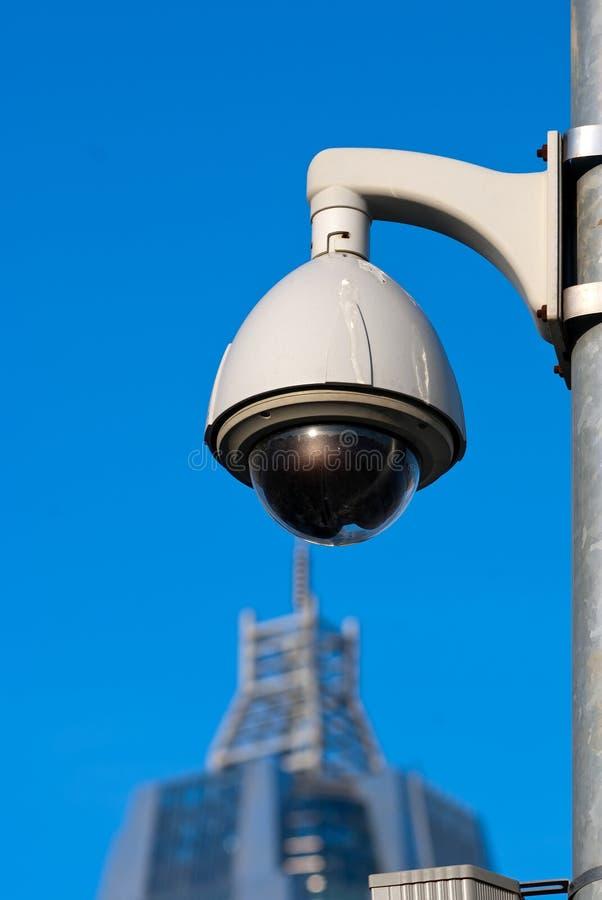 De Camera's van het toezicht van de Bouw van het Bureau onder Blauw stock afbeelding