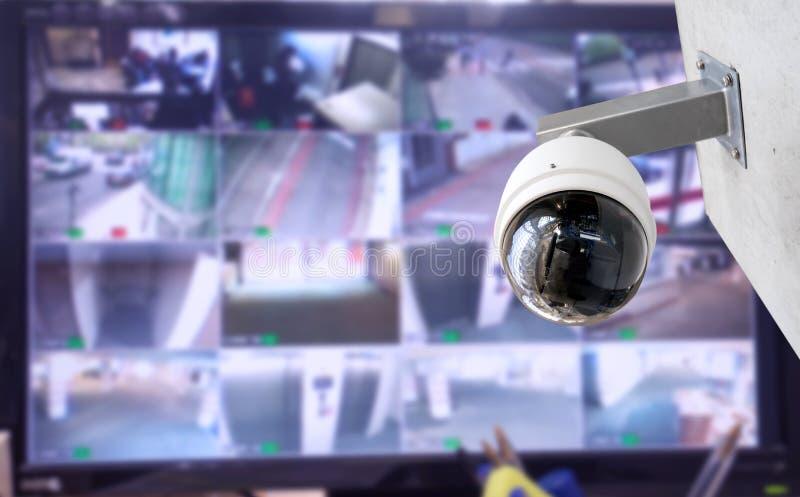 De camera van veiligheidskabeltelevisie in de bureaubouw royalty-vrije stock fotografie