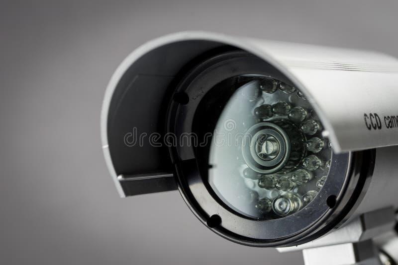 De camera van veiligheidskabeltelevisie in de bureaubouw stock afbeeldingen