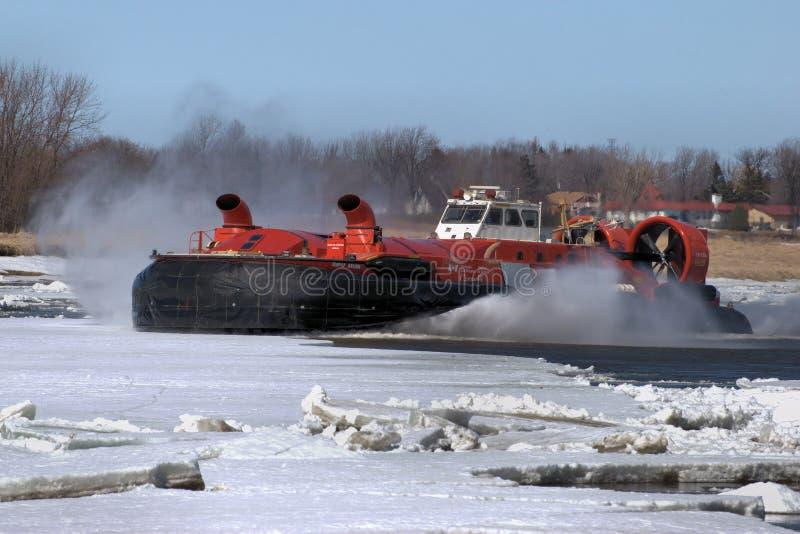 De Canadese Brekende Hovercraft van het Ijs van de Kustwacht stock foto