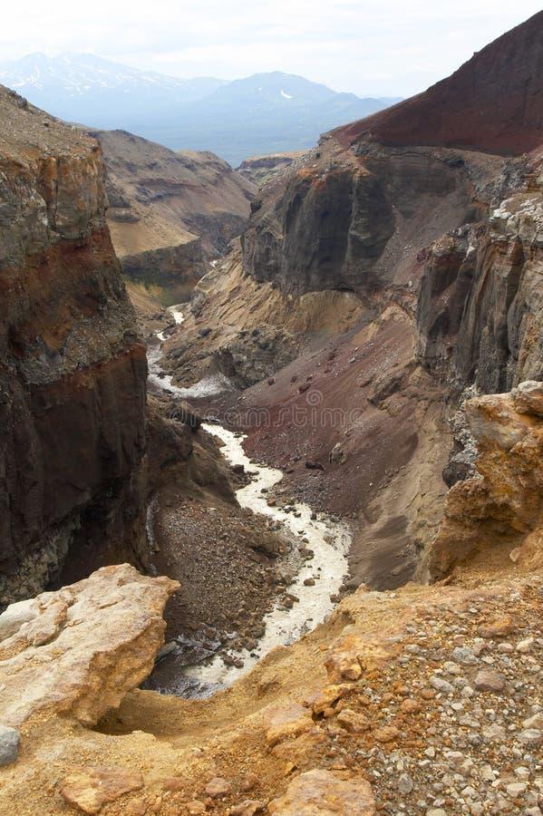De canion van Opasniy. stock afbeeldingen