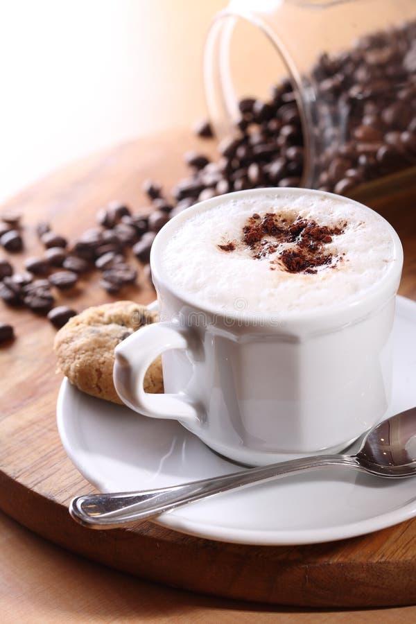 De cappuccino's van de koffie