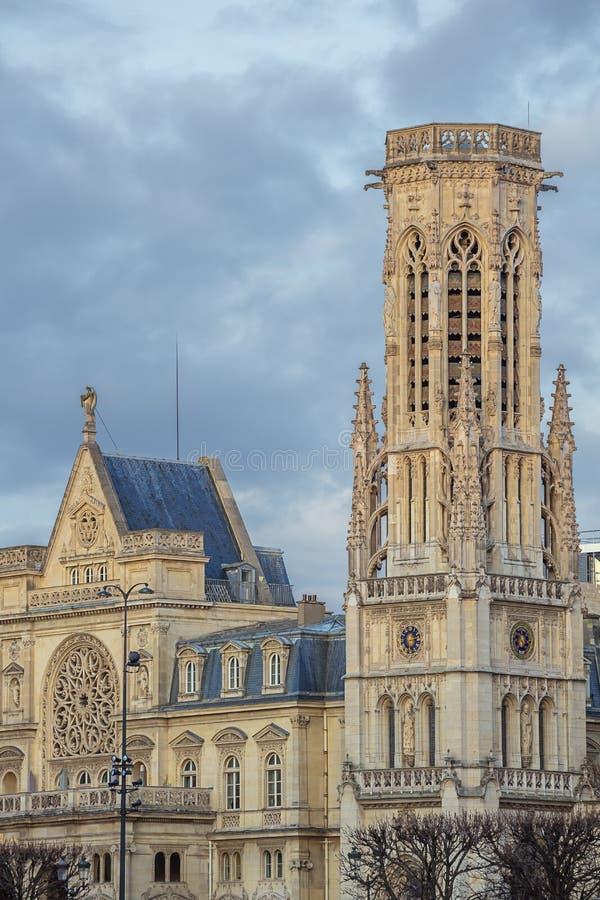 De carillonklokketoren van het stadhuis royalty-vrije stock fotografie