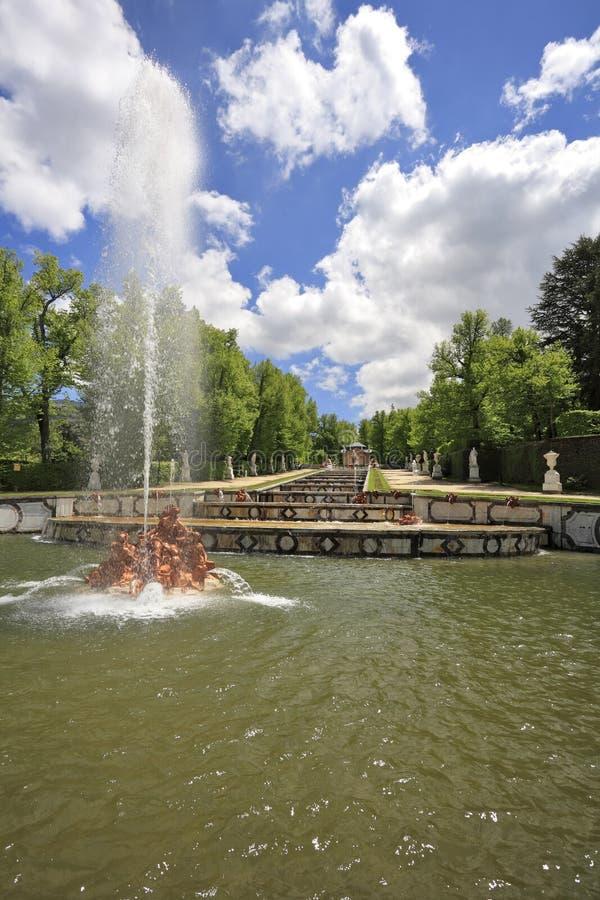 De cascade van fonteinen stock foto