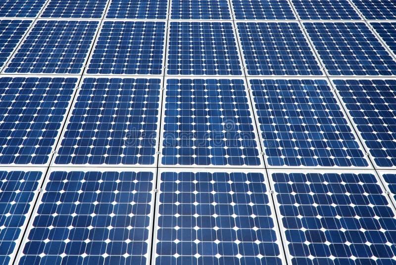 De cellen van zonnepanelen stock afbeeldingen