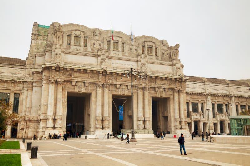 De centrale het stationbouw van Milaan royalty-vrije stock fotografie