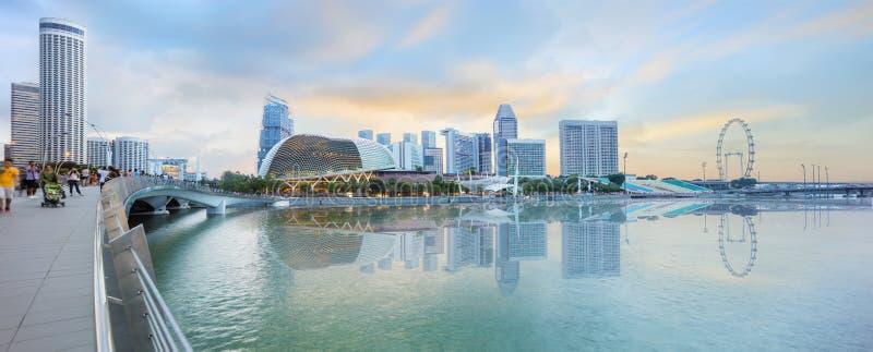 De centrale horizon van Singapore bij schemer royalty-vrije stock fotografie