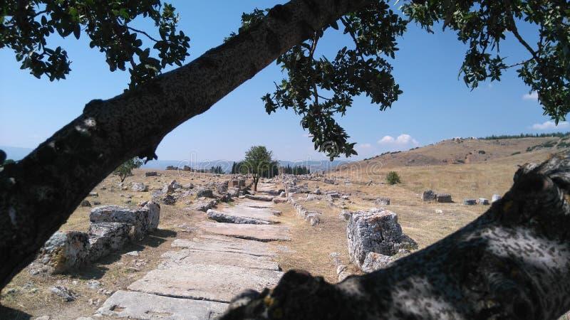 de centrale weg van de oude stad royalty-vrije stock afbeelding