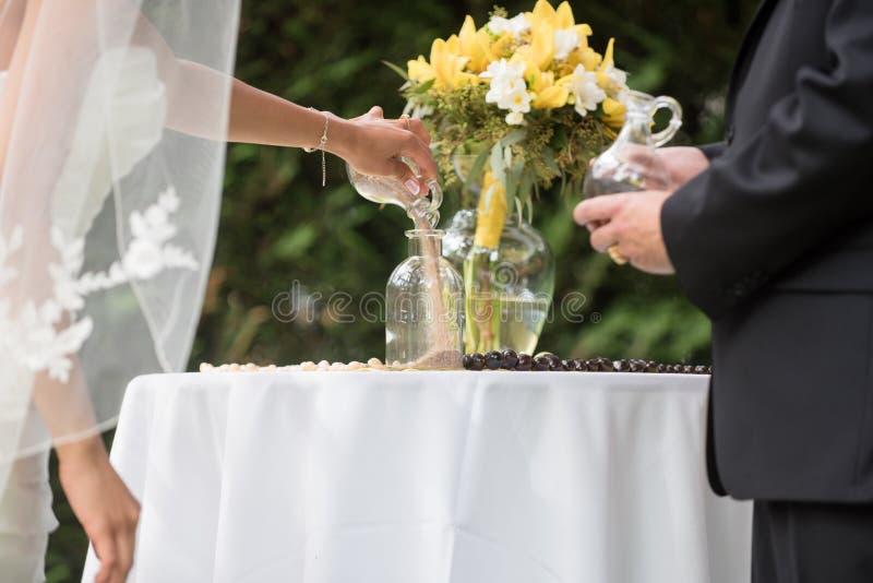 De ceremonie van het huwelijkszand royalty-vrije stock afbeeldingen