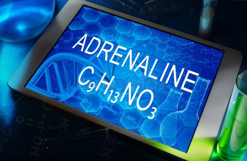 De chemische formule van adrenaline stock afbeeldingen