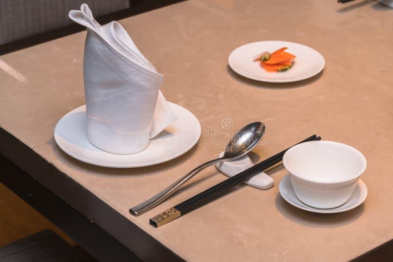 De Chinese decoratie van de dinerlijst royalty-vrije stock afbeeldingen