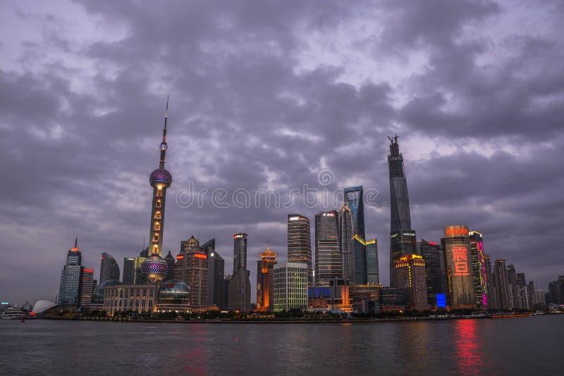 De Chinese nacht van Shanghai Lujiazui royalty-vrije stock foto's