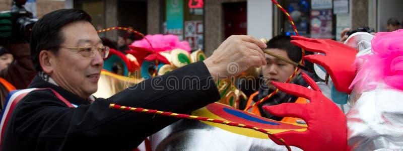 De Chinese Parade die van het Nieuwjaar Ejyes schildert royalty-vrije stock afbeeldingen