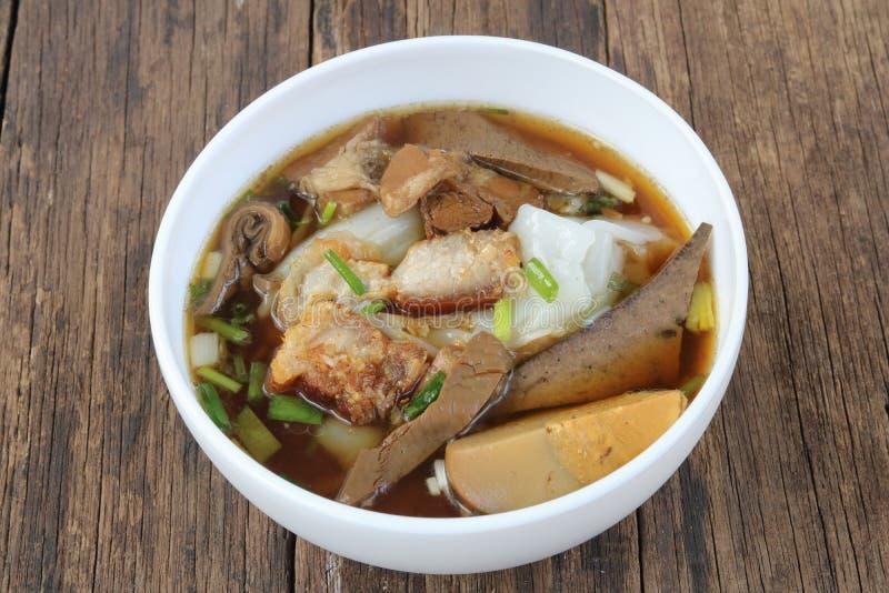 De Chinese soep van de broodjesnoedel royalty-vrije stock foto
